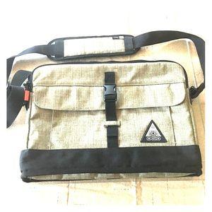 Ogio messenger laptop case
